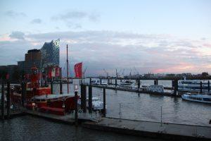 Der Hamburger Hafen im November